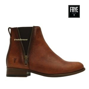 Frye Women's Leather Zip Chelsea Boot